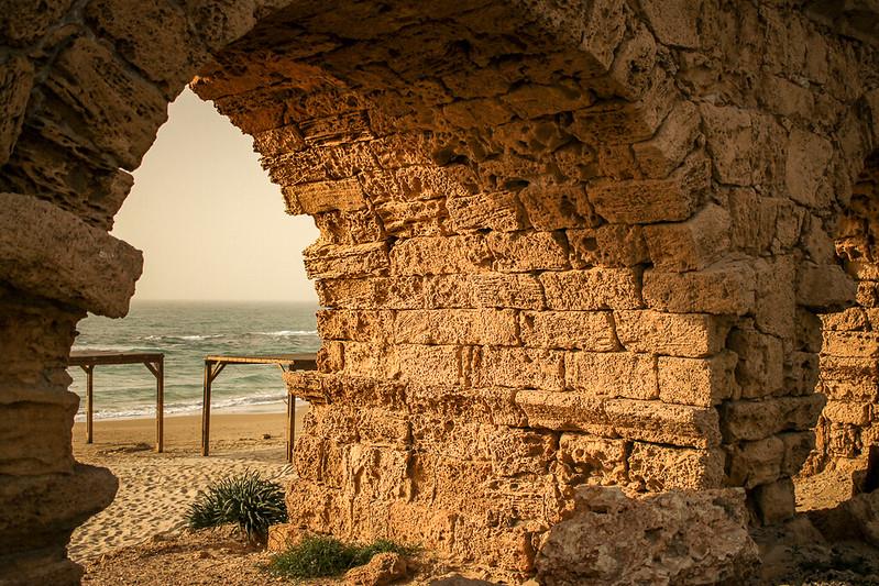 Ruinas de Cesarea, acueducto