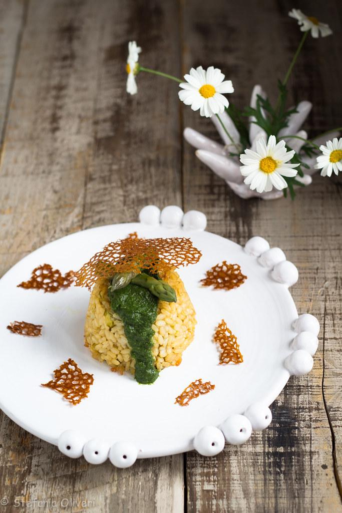 corallo di spinaci su tortino di riso algi asparagi-9530