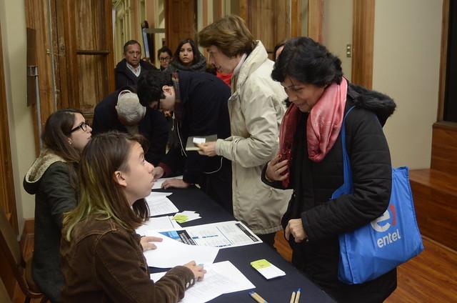 """SEMINARIO: """"Tensiones y desafíos para la educación en Chile a luz del informe de la OECD"""""""