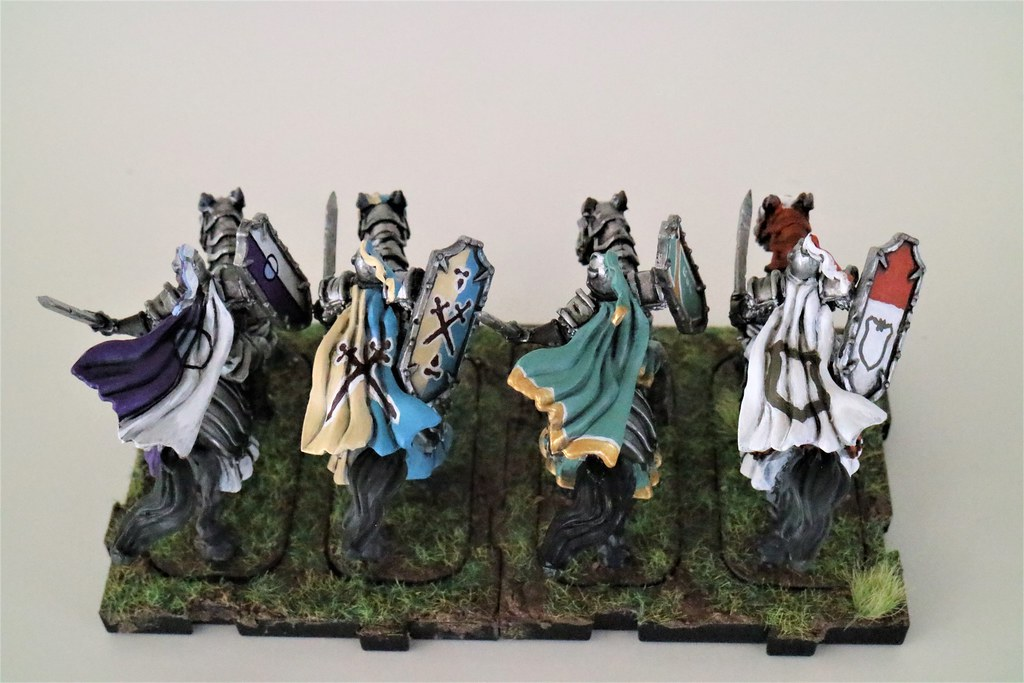 Runewars Miniatures Daqan Knights Back