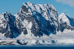 Antarctic mountains around 65º S