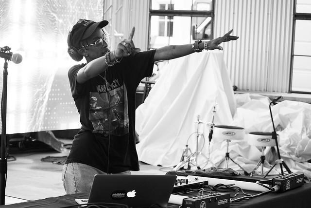 DJ AYO DIP