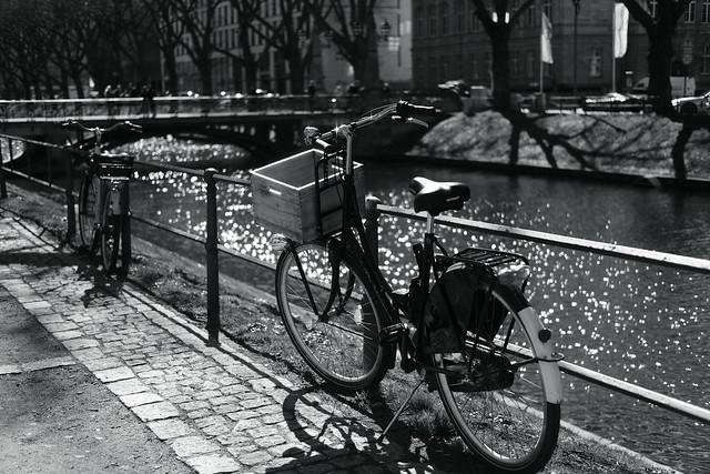 bike with bokeh@Kö, Düsseldorf 3