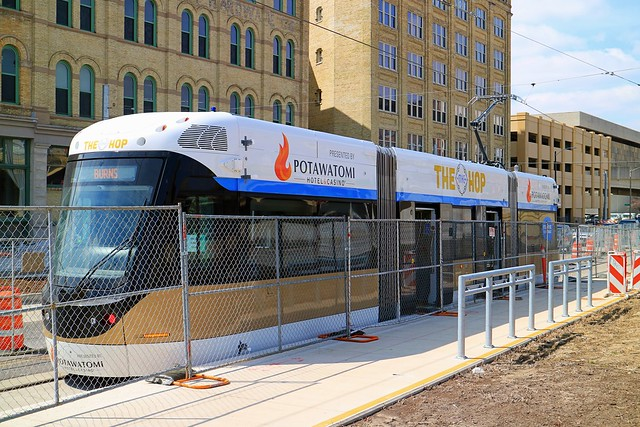 The Hop at its platform at W St Paul Ave and N Plankinton Ave in Milwaukee