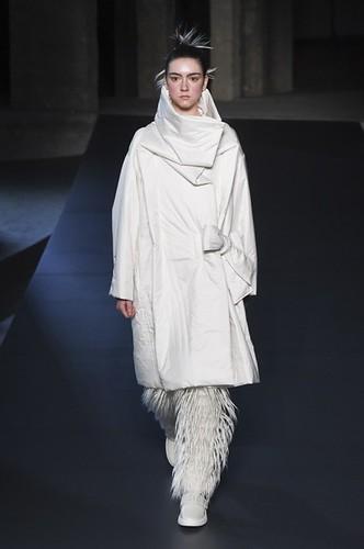 Issey Miyake Womenswear Fall/Winter 2018/2019 04