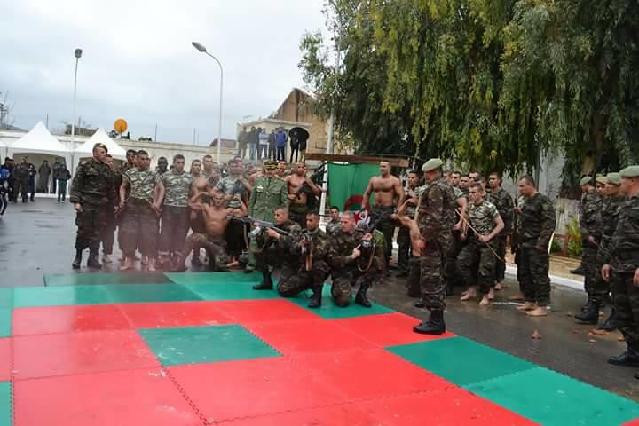 موسوعة الصور الرائعة للقوات الخاصة الجزائرية - صفحة 63 39260906510_5f9be44b7f_b