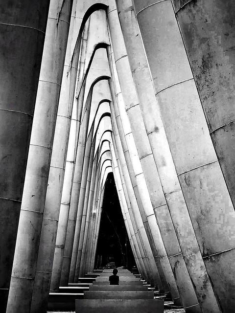 - contemplation -  #iphone #pattern #architecture #freestyle #minimalism #blackandwhite #blackandwhitephotography #blackandwhitephoto #bnw #bnwphotography #bw #bwphotography #monochrome #monochromephotography #other