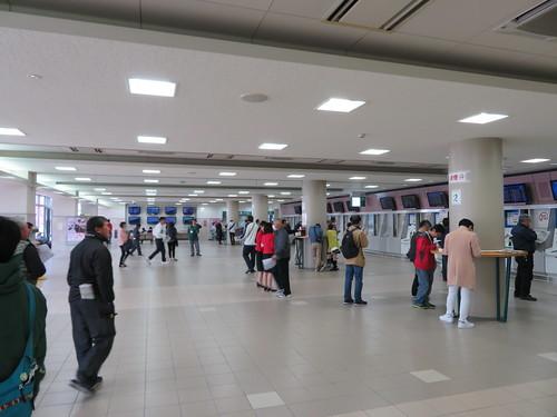 福島競馬場の内馬場投票所