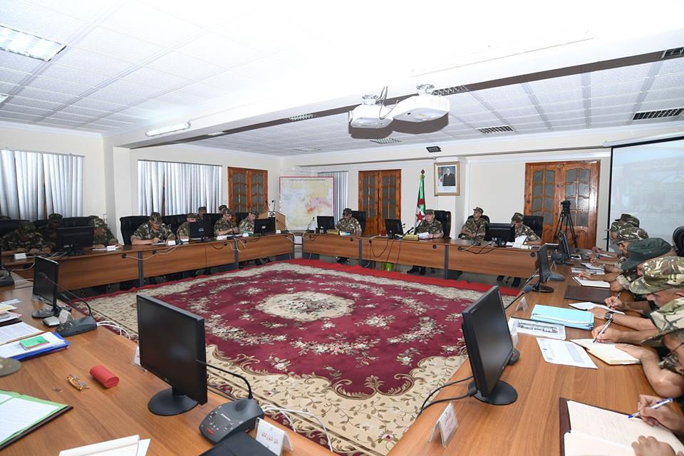 الجزائر : صلاحيات نائب وزير الدفاع الوطني - صفحة 21 40608510970_7e6f27dd8b_b