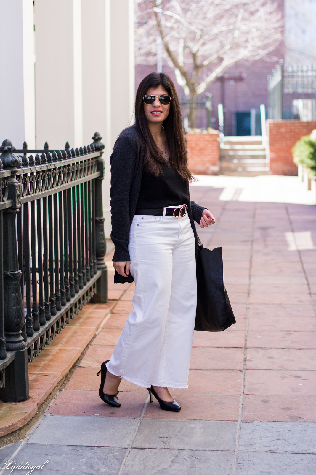 black scalloped tank, white wide leg jeans, grey cashmere cardigan-6.jpg