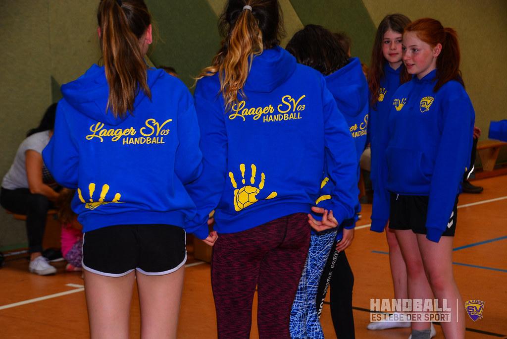 20180523 Laager SV 03 Handball wJD - Übergabe Pullover (8).jpg