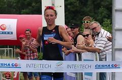 Frintová a Čelůstka vybojovali tituly v olympijském triatlonu