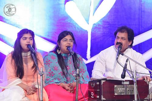 Devotional song by Vinod Kumar and Saathi from Gurgaon, Haryana