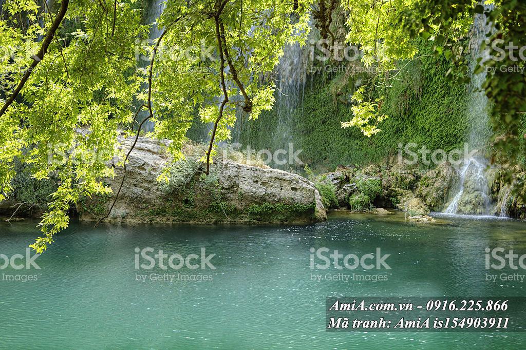 Tranh treo phòng khách đẹp thác nước thiên nhiên