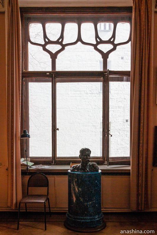 Окно второго этажа, особняк Рябушинского, Москва