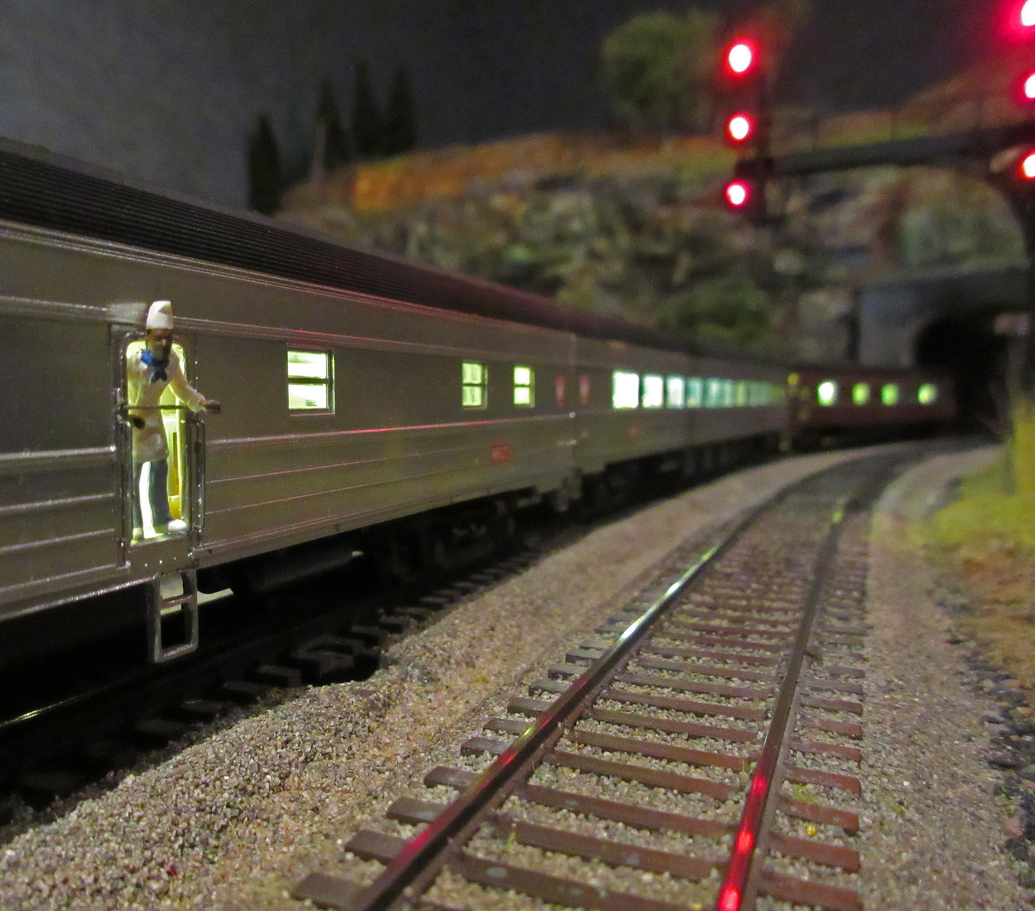 Signal lights - for show or operations? - Model Railroader
