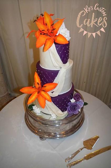 Cake by Ros Custom Cakes
