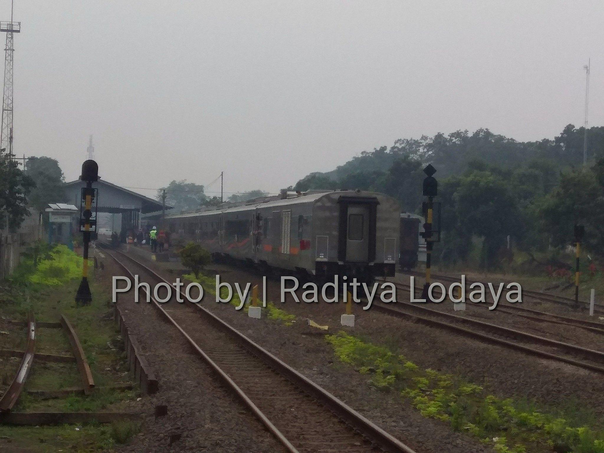 Booking Tiket PLB Kereta Api Argo Parahyangan Tambahan