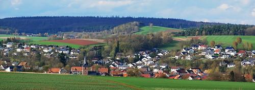 Rosenthal (Burgwald): Ortskern mit der Kirche