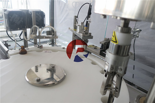 Reliance RVF AMBER GLASS SPRAY BOTTLE MONOBLOCK FILLING MACHINE