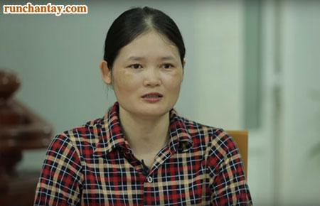 Chị Giang bắt đầu câu chuyện về kể hành trình dài cùng bố tìm cách chữa bệnh run tay
