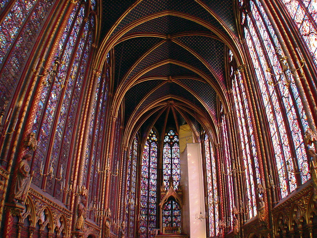 sainte chappelle floor to ceiling stained glass