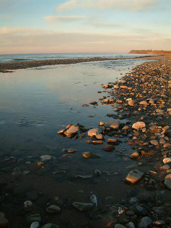 isleofman ballaugh coast sea beach coastline sunset pebbles rocks stones geotagged geolat54328613 geolon4563722