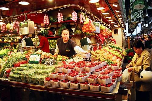 Puesto en el Mercado de la Boquería - Turismo y Tren