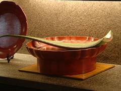 glass(0.0), copper(0.0), bowl(1.0), ceramic(1.0),