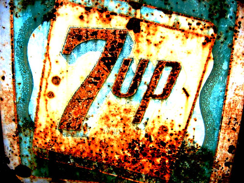 "rusty ""7 up"" sign in California"
