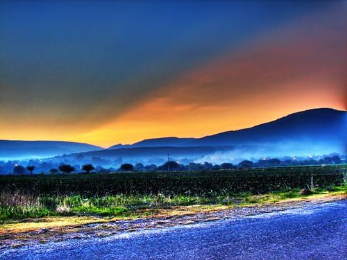 sky sun mountain colors fog san down sanluis luis horizont raising potosi sanluispotosi raisingsun myfirsthdr fourfavs