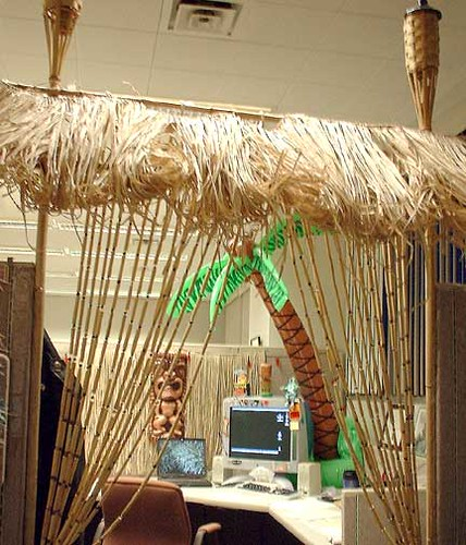 Creative cubicle birthday decoration ideas joy studio for Creative cubicle ideas