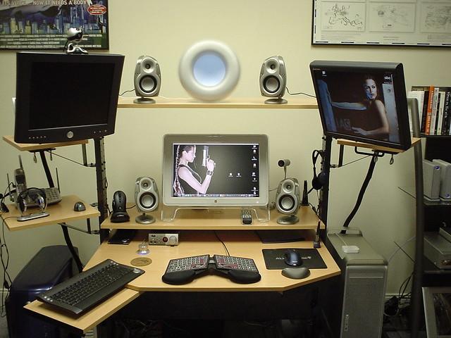 desk-closeup, Sony DSC-U40