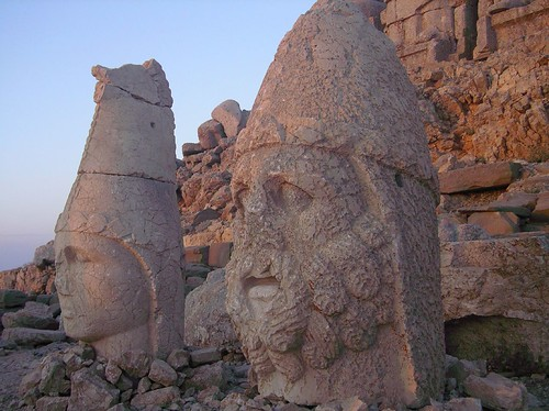 Nemrut Sunrise - Flickr: borderlys