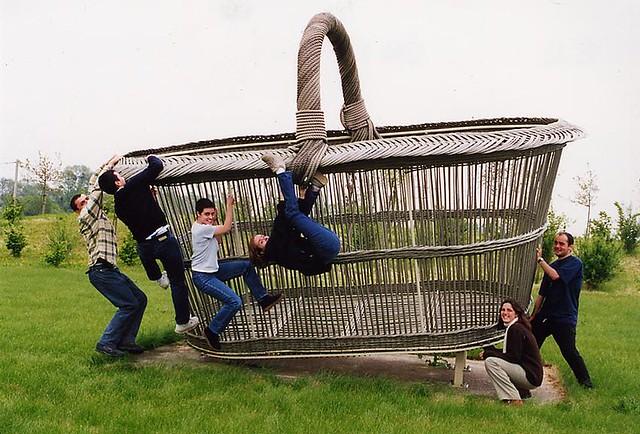 viaje Castillos de Loira - cesto gigante - huge basket