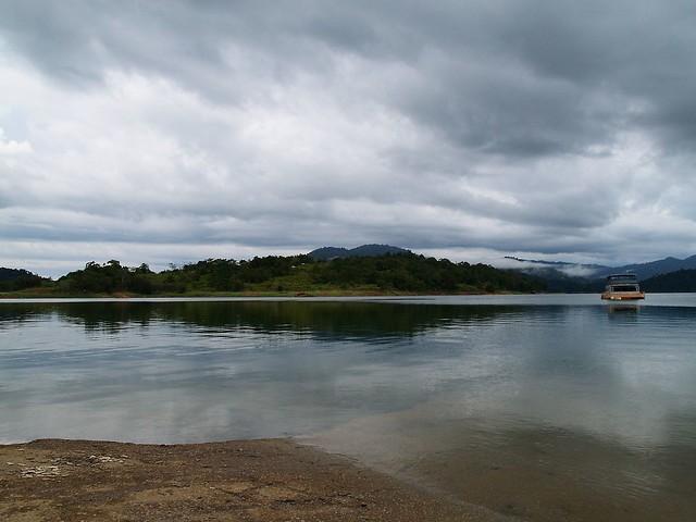 KenyiR Lake ترينغانو 236554452_14d1cdf71b