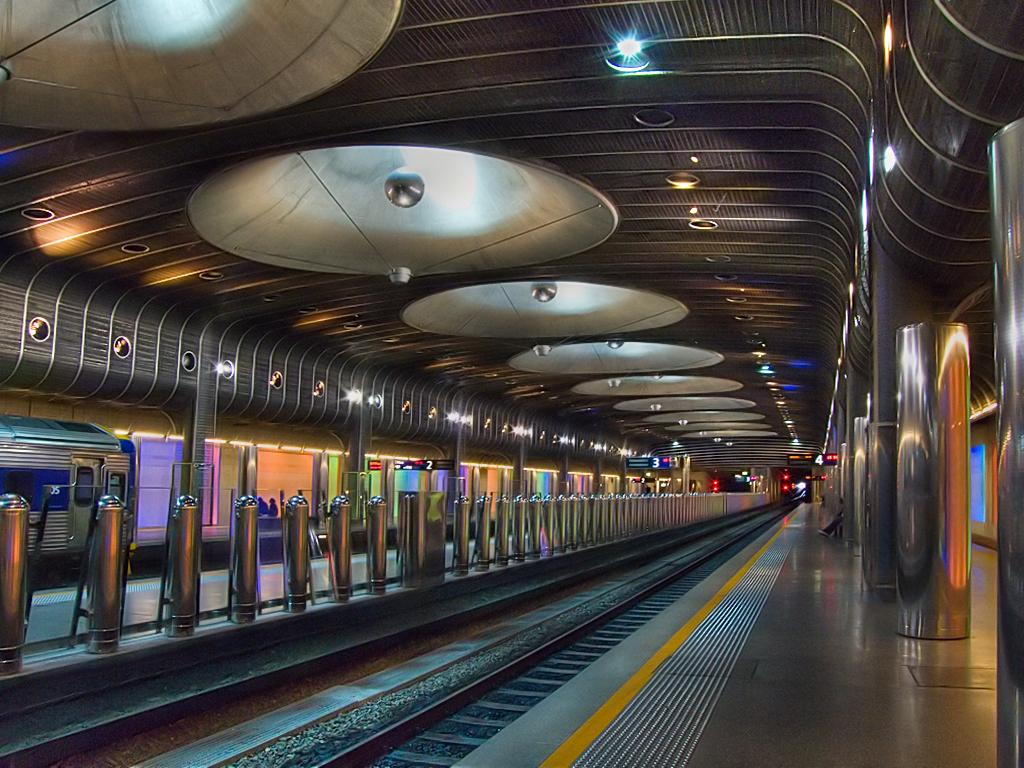 礹/&�f�x�~[�nZ�_2006 auckland 2550fav trainstation britomart essjaynz hdr 555v5f