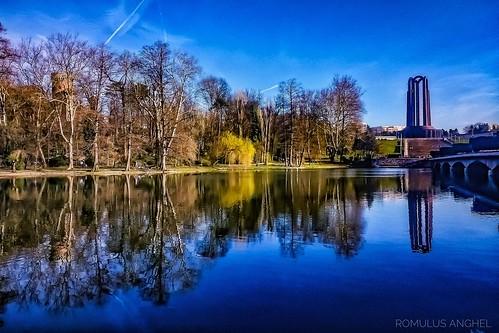 bucuresti bucharest park parculcaroli skyline lake urban urbannature cityscape city romania motorolag4 snapseed nature landscape landscapephotography myview