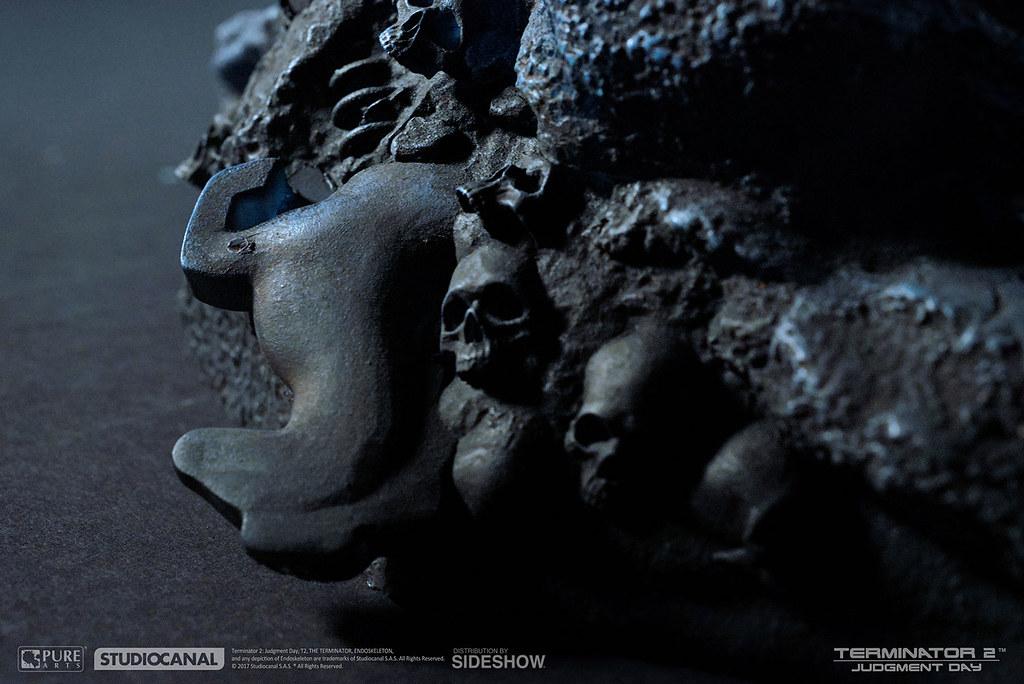 「Hasta la vista, baby.」Sideshow Collectibles × PureArts《魔鬼終結者2:審判日》T-800 內骨骼 T-800 Endoskeleton 1:1 比例雕像作品