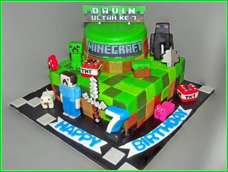 Cake Minecraft DAVIN 15 cm