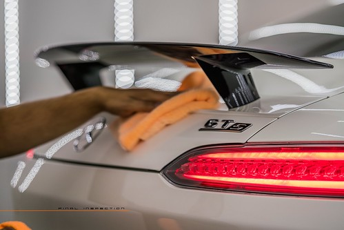 Mercedes-Benz AMG GT S : White