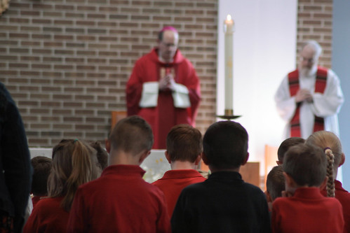 Bishop Walkowiak celebrates Mass for ASA elementary students