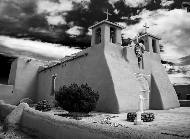 St Francis Church, Ranchos, Nikon D7000, AF-S DX Zoom-Nikkor 18-135mm f/3.5-5.6G IF-ED