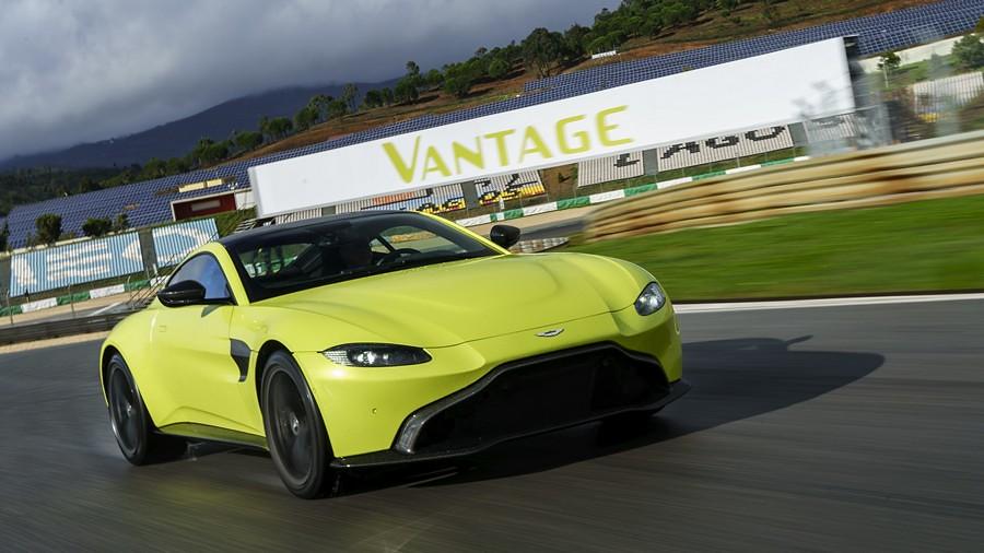 Aston Martin Vantage 03