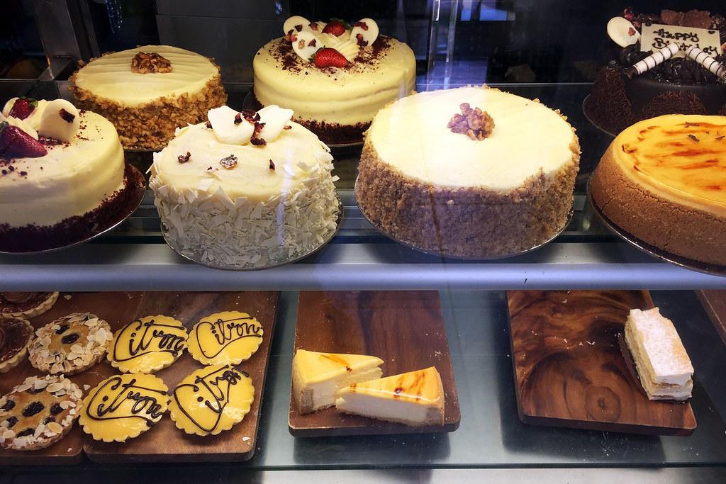 Cakes, Inter Desserts