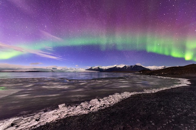 First time I saw northern lights in my entire life. This was a mind blowing moment that I'll never forget! 😊