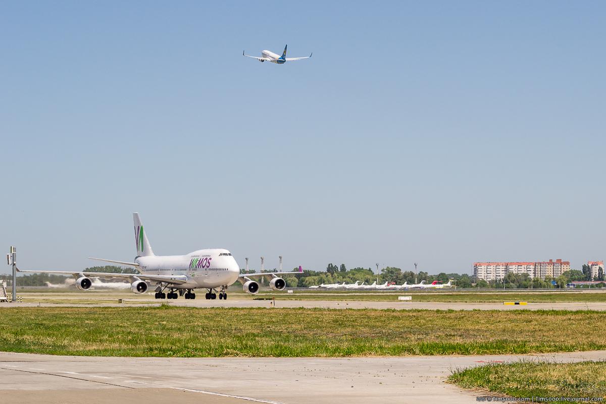 Самолеты финала Лиги Чемпионов 2018 Boeing 747-400