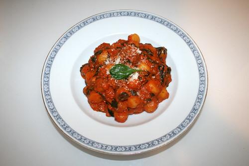 18 - Gnocchi con salsiccia e spinaci - Serviert / Served