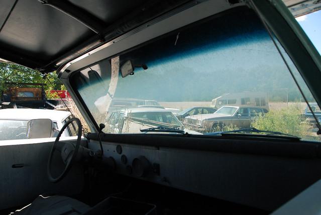 car junk yard (25)