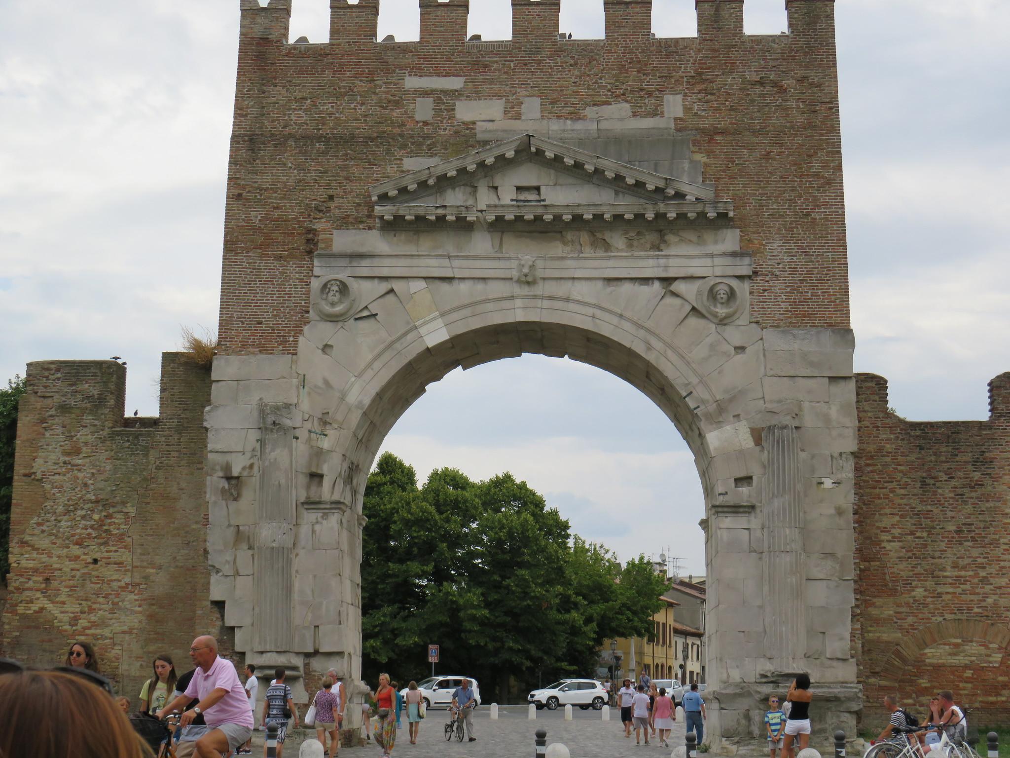 El Matrimonio Romano Evolucion Historica : SeÑor del biombo el arco triunfo romano tipos y